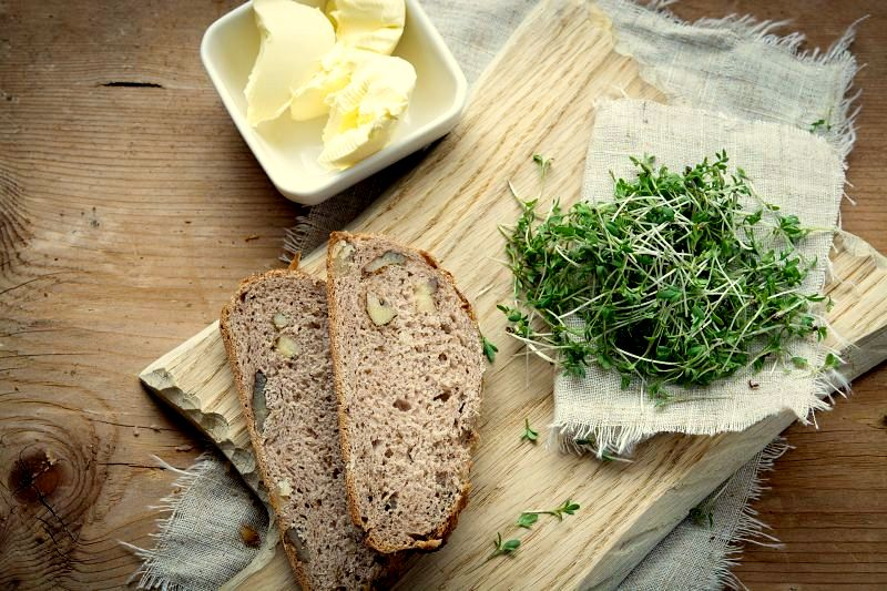 Garden cress and bread